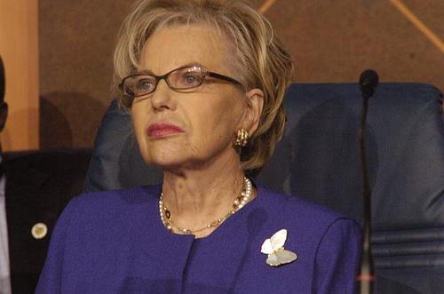 Mme Viviane Wade visée par une plainte pour détournement de deniers publics.