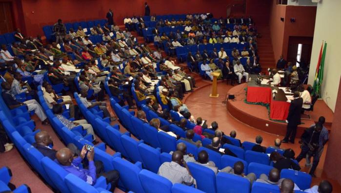 Lutte contre le terrorisme au Burkina Faso : Le parlement approuve la mise sur pied d'un corps de volontaires.