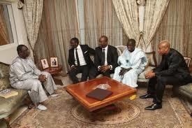 Rencontre entre Akon et Macky Sall sur la question de l'électricité.