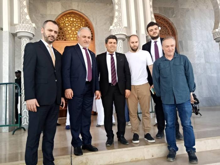 Visite : Des personnalités turquesà Massalikoul Jinaane.