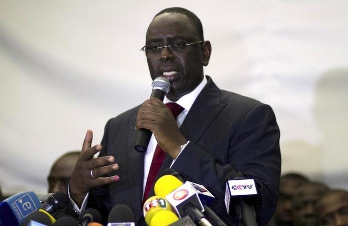 L'échange entre Macky Sall et Moustapha Cissé Lô lors du directoire de l'APR.
