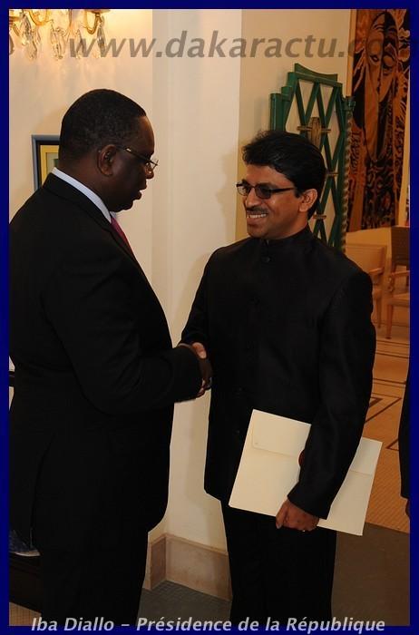 L'Ambassadeur de l'Inde remettant ses lettres de créances au Président Macky Sall