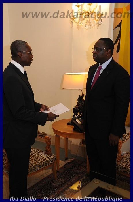 Macky Sall recevant les lettres de créances de son Excellence l'ambassadeur du Gabon au Sénégal