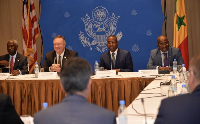 Visite du secrétaire d'État Américain au Sénégal : Les premières images de Mike Pompeo à Dakar (Photos)