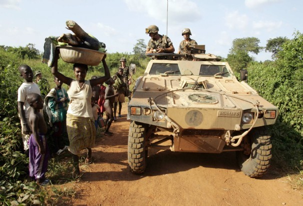 Que fait l'armée française en Afrique ou au Sénégal ?