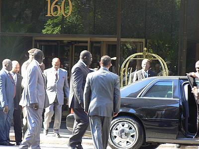 Véhicules de l'Etat offerts par Wade: Macky Sall cède les leurs aux chefs religieux concernés