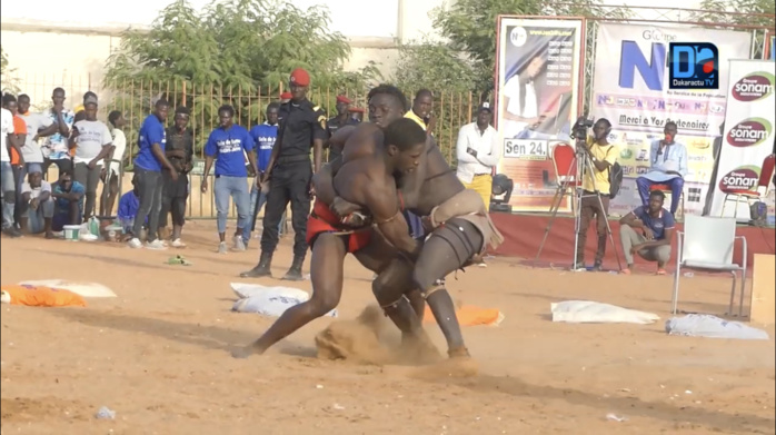 Combat de Lutte / Stade Maniang Soumaré : Temps forts des victoires de Junior, Thiatou D et Cecewo.