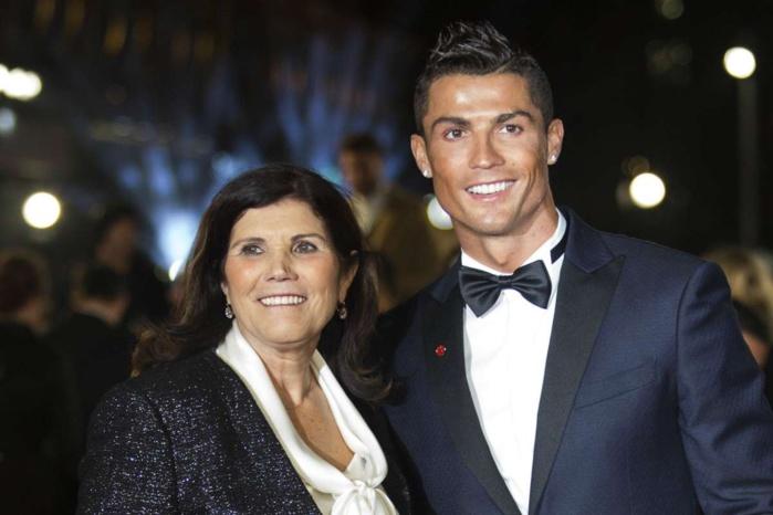 Cristiano Ronaldo au chevet de sa mère victime d'un AVC…