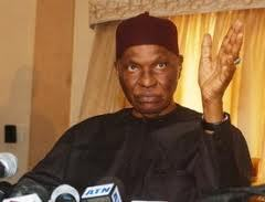 Ce lundi, Abdoulaye Wade convoque les responsables du Parti démocratique sénégalais.