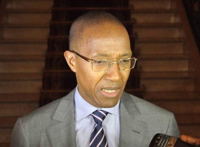 Abdoul Mbaye en conseil des ministres chez lui.