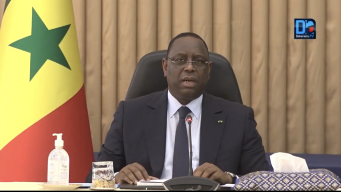 Prise en charge adéquate des patients atteints du coronavirus : Macky Sall tape du poing sur la table.
