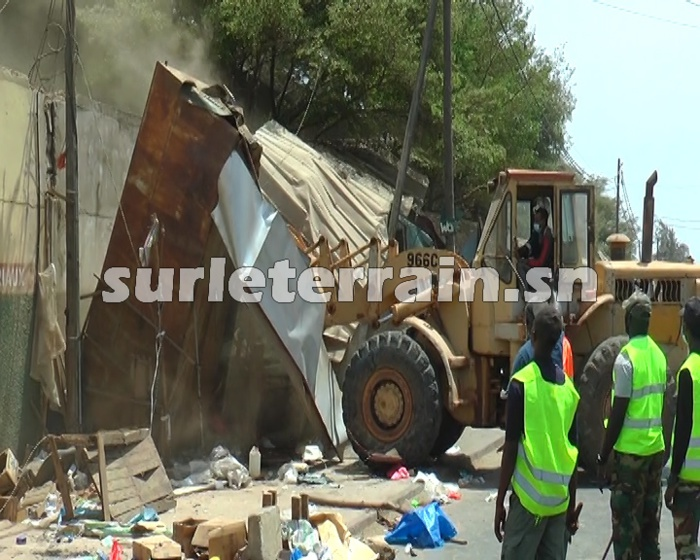 Bountou Pikine : Les bulldozers rasent plus de 150 cantines