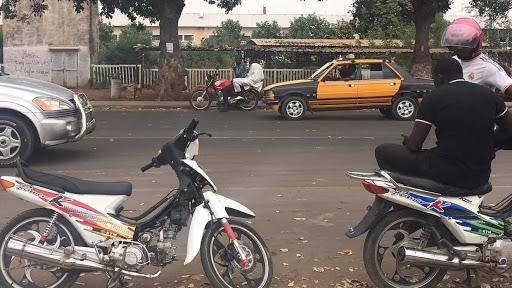 COVID-19 à Tivaouane : Le cas communautaire est un marchand ambulant qui faisait la navette entre les deux  villes religieuses (Tivaouane-Touba) à bord d'un Jakarta.