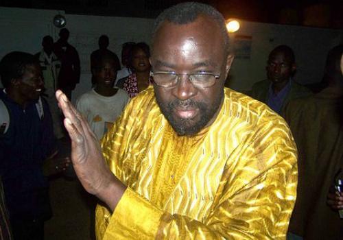 Moustapha Cissé Lô traînasse au palais sans être reçu par Macky Sall.