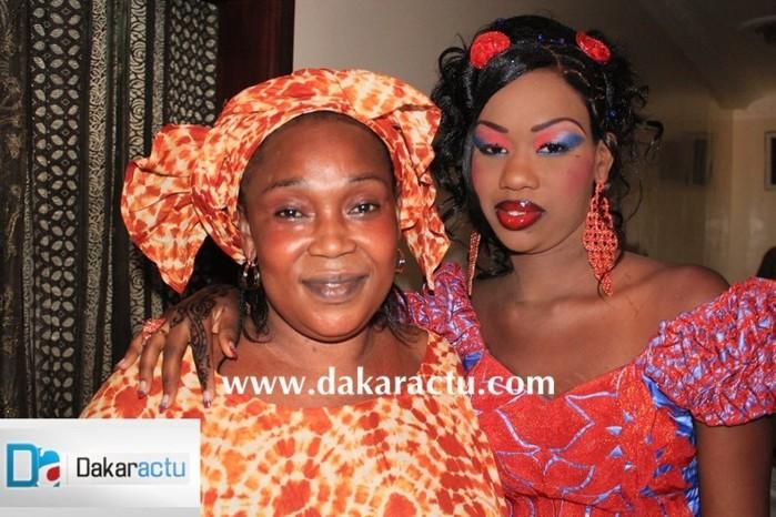 La femme de Bécaye Mbaye en compagnie de sa belle-fille
