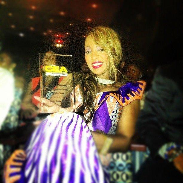 Cérémonie des Cameroon Entertainment Awards 2012 à Washington Dc: Viviane Chidid remporte un award  (PHOTOS)