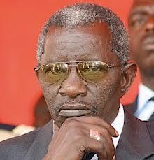 Kolda: les conseillers municipaux signent une pétition pour le départ de Bécaye Diop.
