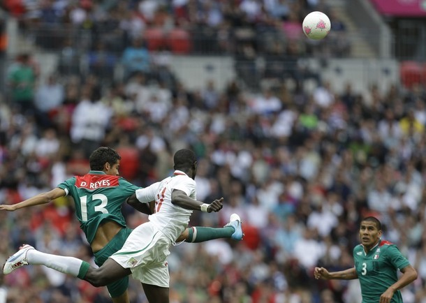 En images: le premier but mexicain contre le Sénégal