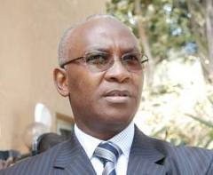 """Serigne Mbaye Thiam: """"Depuis 2000, il y a plus de 35 000 passeports diplomatiques qui sont en circulation""""."""