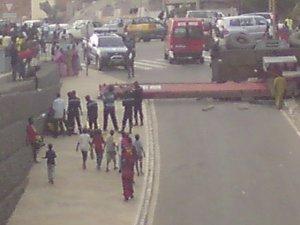 Parcelles Assainies: Un camion fou tue un passant.