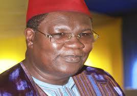 Après le décès de sa maman, Me Ousmane Ngom inconsolable.