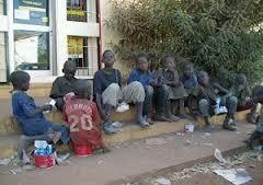 Insolite: Mbaye Ndiaye fait embarquer cinq talibés qui ont perturbé la prière du vendredi.