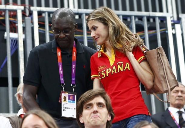 La complicité remarquée entre Makhtar Diop et Letizia Ortiz, princesse d'Espagne