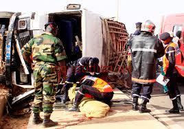 """Dernière minute: un car """"Ndiaga Ndiaye"""" tue un homme à Cambérène."""