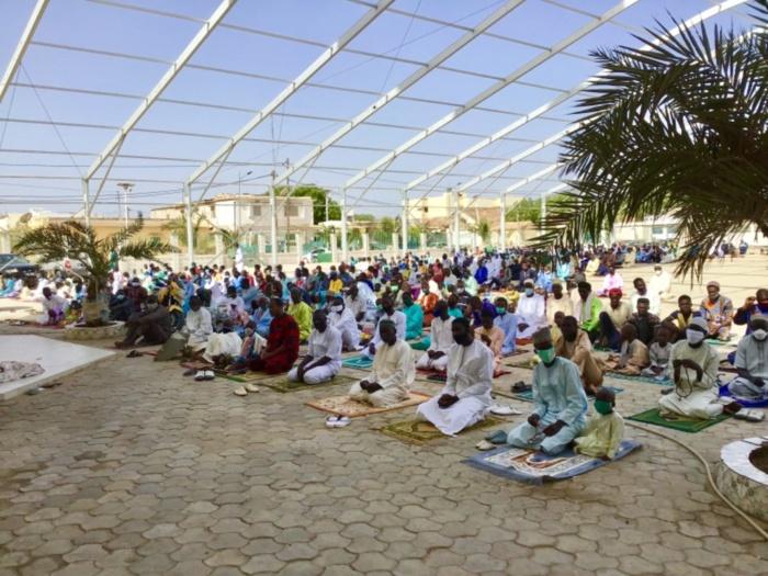 Léona Niassène : Imam Arabi Niass dirige la prière de l'Aïd El Fitr et intervient sur 4 points (images).