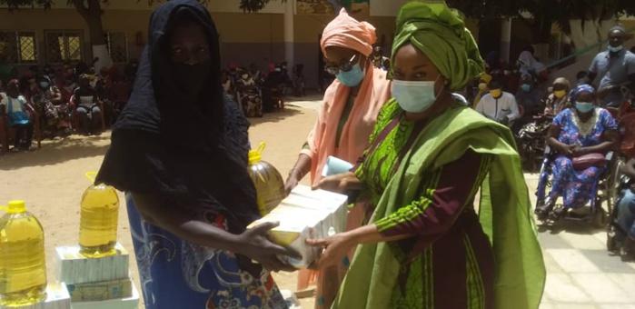 Opération de secours et de sécurisation d'enfants de familles en situation de rue menée par Madame Ndèye Sali Diop DIENG Ministre de la Femme, de la Famille, du Genre et de la Protection des Enfants