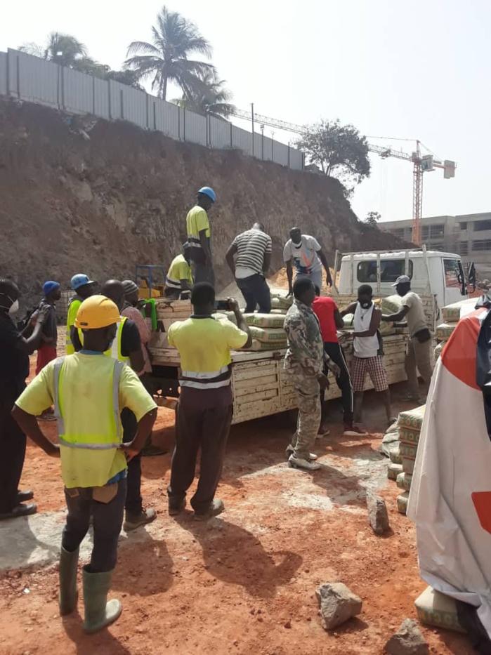 Bradage du littoral : Barthélemy Dias freine les travaux d'un chantier sur la Corniche Ouest.