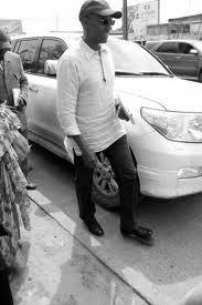 Dernière minute: Abdoul Mbaye vient de quitter la primature pour se rendre dans la banlieue dakaroise.