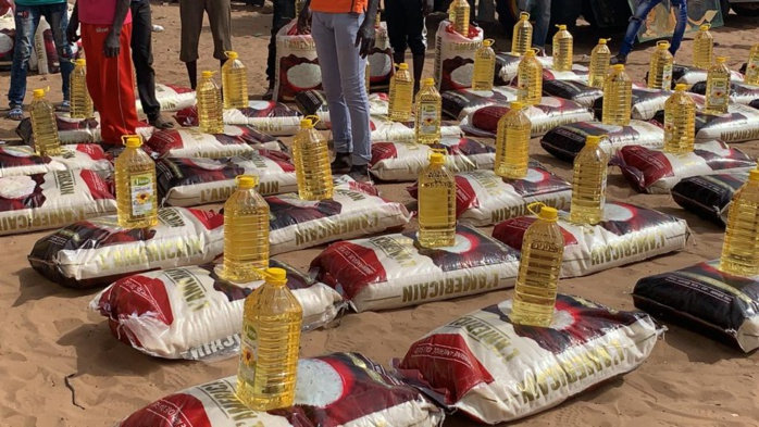 Mbibess (Lompoul) : Aziz Ndiaye construit un poste de santé et distribue des kits alimentaires aux populations.