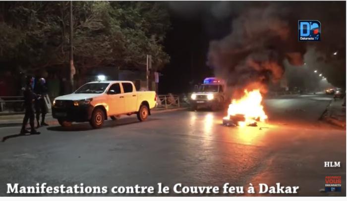 Grand-Yoff : Manifestation pour réclamer la fin du couvre-feu et les restrictions dues à la pandémie.