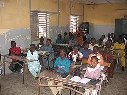 Macky Sall donnent des directives pour que les établissements scolaires soient à nouveau opérationnels