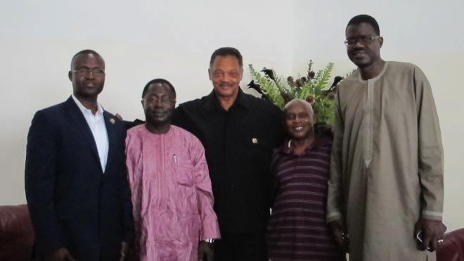 Gambie : l'illustre révérend Jessie Jackson sauve ses compatriotes du couloir de la mort.