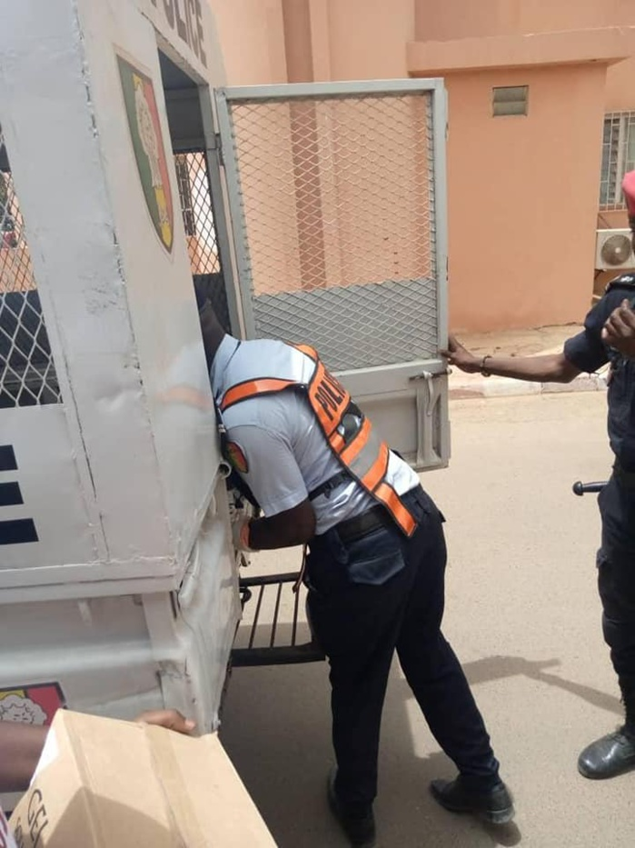 Distribution de masques : Une trentaine de jeunes de l'Apr arrêtés en centre-ville