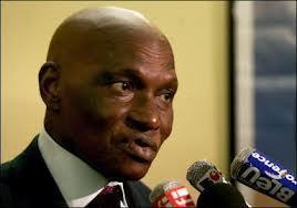«Que les libéraux se regroupent entre eux et les socialistes entre eux» (Me Abdoulaye Wade)