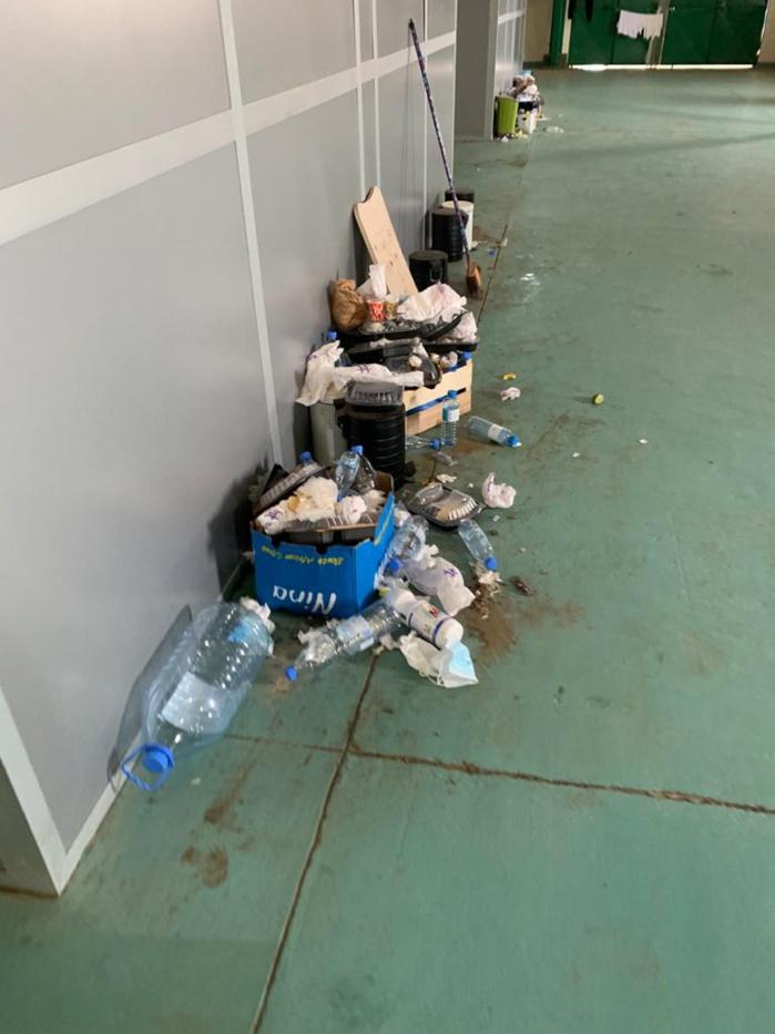 Les images insoutenables du Hangar des Pèlerins de l'aéroport Léopold Sédar Senghor après la grève des agents du nettoyage :  Coronavirus rime-t-il avec insalubrité ?