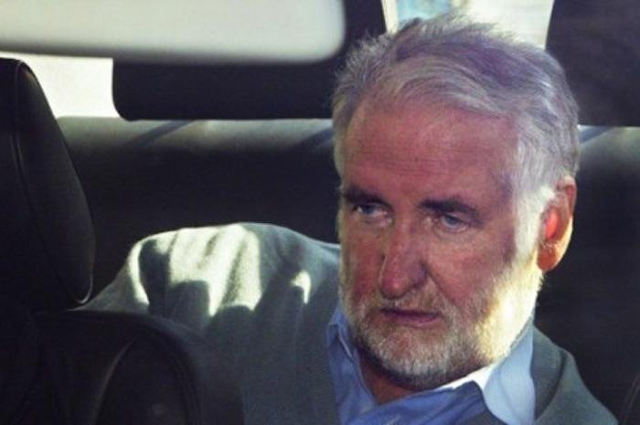 """Arrestation de l'ancien PDG de ELF : son complice comme un """"pacha"""" au Sénégal."""