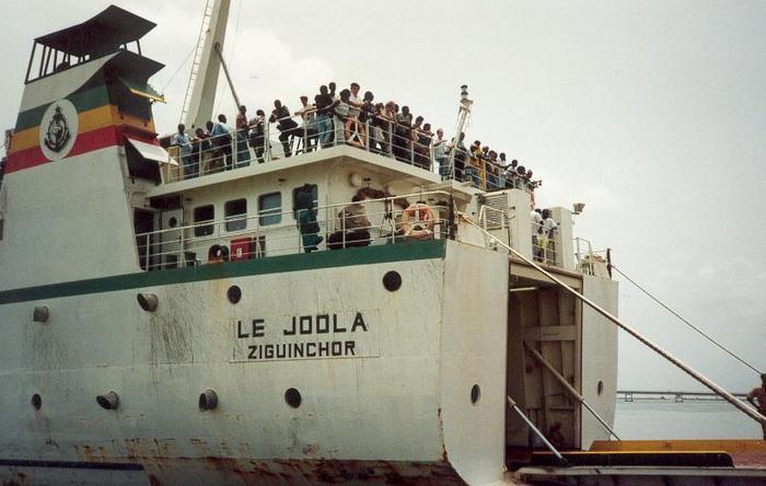 """La fille de la seule femme rescapée du """"Joola"""" enfin prise en charge"""