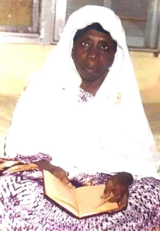 Médina Baye : Seyda Fatoumata Zahra Niass sera inhumée près de son père Baye Niass.