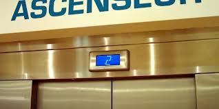 Insolite : quatre ministres bloqués dans un ascenseur du building administratif.