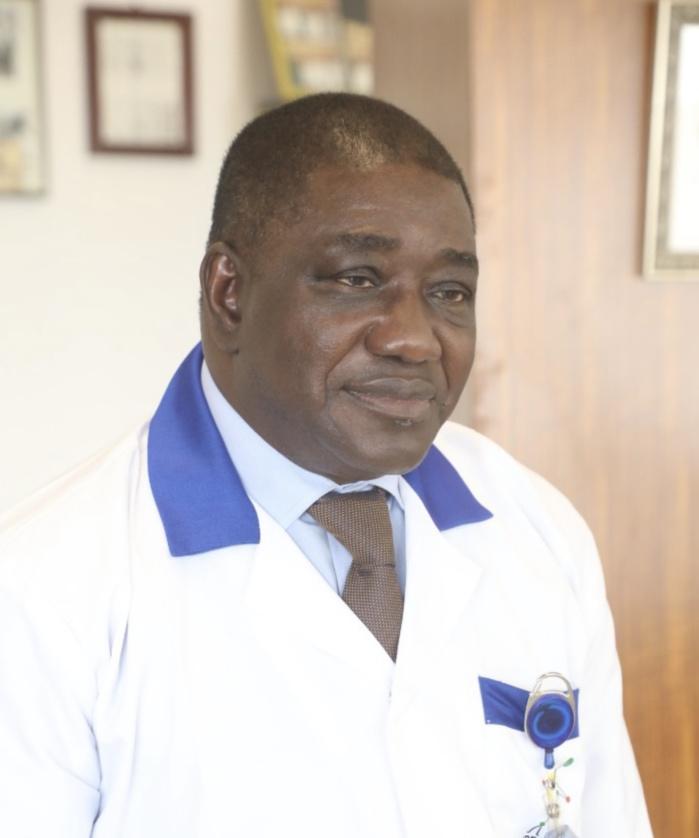 Recherche de solutions thérapeutiques basées sur la médecine traditionnelle contre la Covid-19 en Afrique : Le Pr Souleymane Mboup sélectionné par l'Oms.