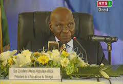 Nébuleuse autour de deux décrets signés par Abdoulaye Wade 48 heures après sa défaite.