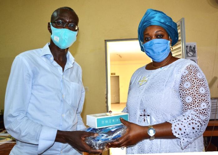 Lutte contre la Covid-19 : Les femmes de l'Artp arment les établissements scolaires des trois départements de Dakar.