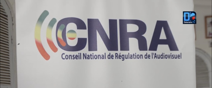 RAPPORT D'ACTIVITÉS / Le CNRA et le renforcement des professionnels de la Communication sociale... Le document sur la table du Président.