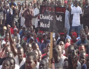 Encore une hausse des prix des denrées de première nécessité ! Quand l'absence d'opposition  nous mène tout droit vers le yonou yakhoulé (Par Aminata ndiaye)