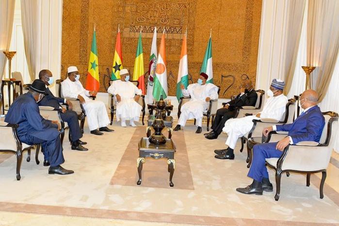 Mali : Le gouvernement adhère aux conclusions du sommet extraordinaire de la CEDEAO et promet leur mise en oeuvre diligente.