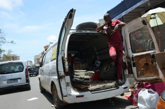 Démolition du marché Sandaga : Les commerçants commencent à vider les lieux.